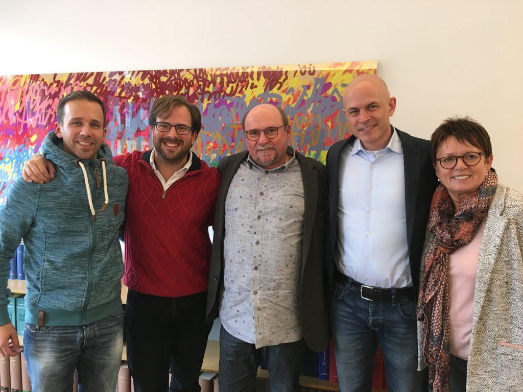 Nach dem Notartermin (von links nach rechts): Daniel Seeger, Tino Scraback, Wilfried Schöler, Andreas Grimm (Resultate), Hildegard Schöler